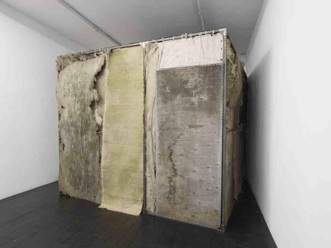 Krzysztof Gil, TAJSA -Yesterday and Tomorrow, 2018. Installation, courtesy ;'etrangere, photo Andy Kaete