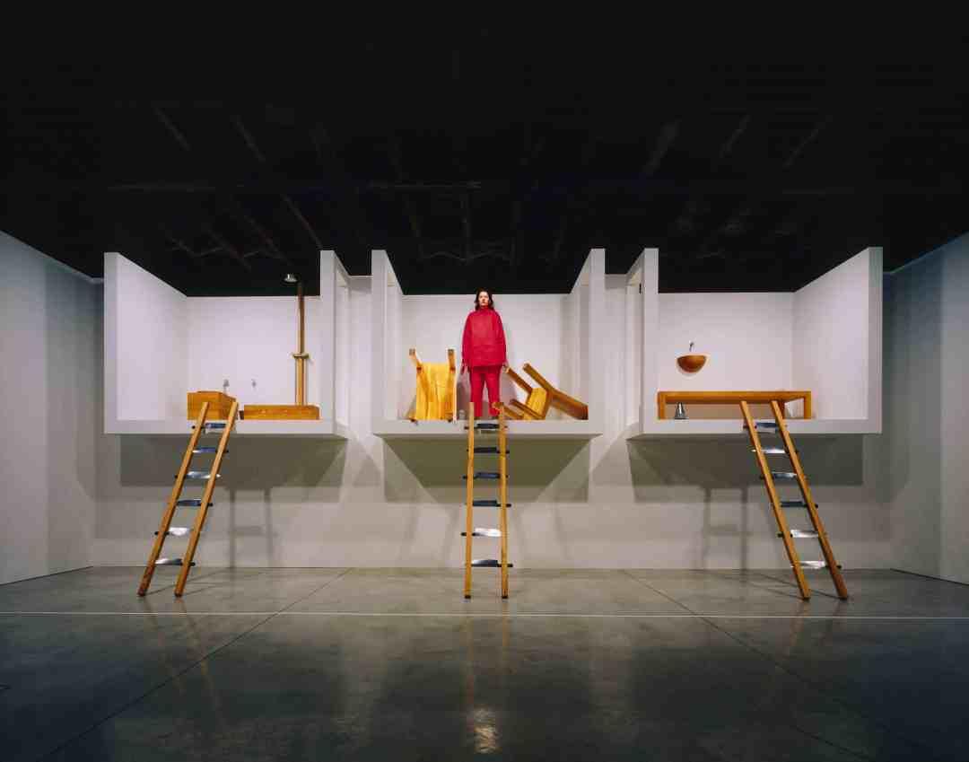 """Marina Abramović, """"The House with The Ocean View"""", Performans, Sean Kelly Gallery, Nowy Jork, 2002, Fot. Attilio Maranzano, Dzięki uprzejmości Archiwum Mariny Abramović"""
