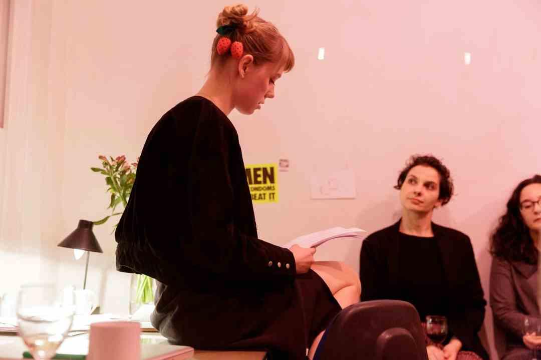 Zuza Golińska reading her text at Delfina Foundation