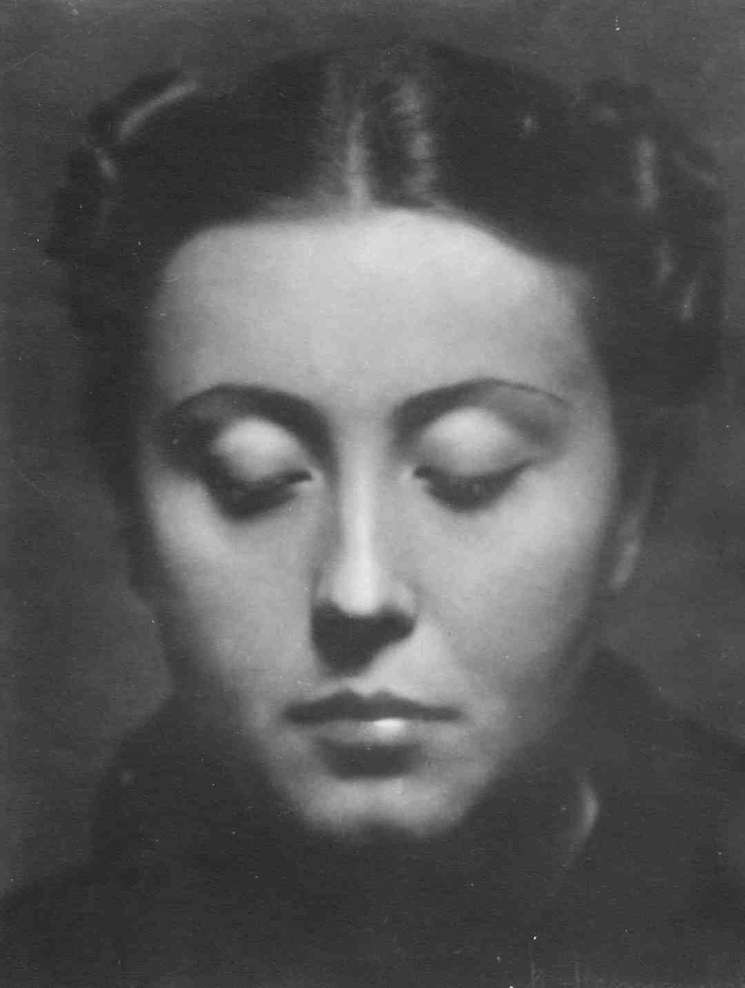 "Henryk Hermanowicz, ""Woman with closed eyes"" by Galeria Dyląg"