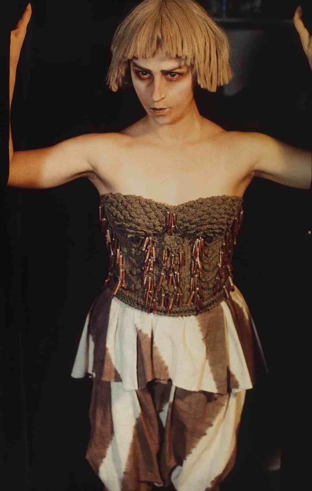 Cindy Sherman, Untitled #127/A, 1983, cm 88x58, cibachrome print, ed. 5/18, Courtesy Collezione Ettore Molinario, ©Cindy Sherman
