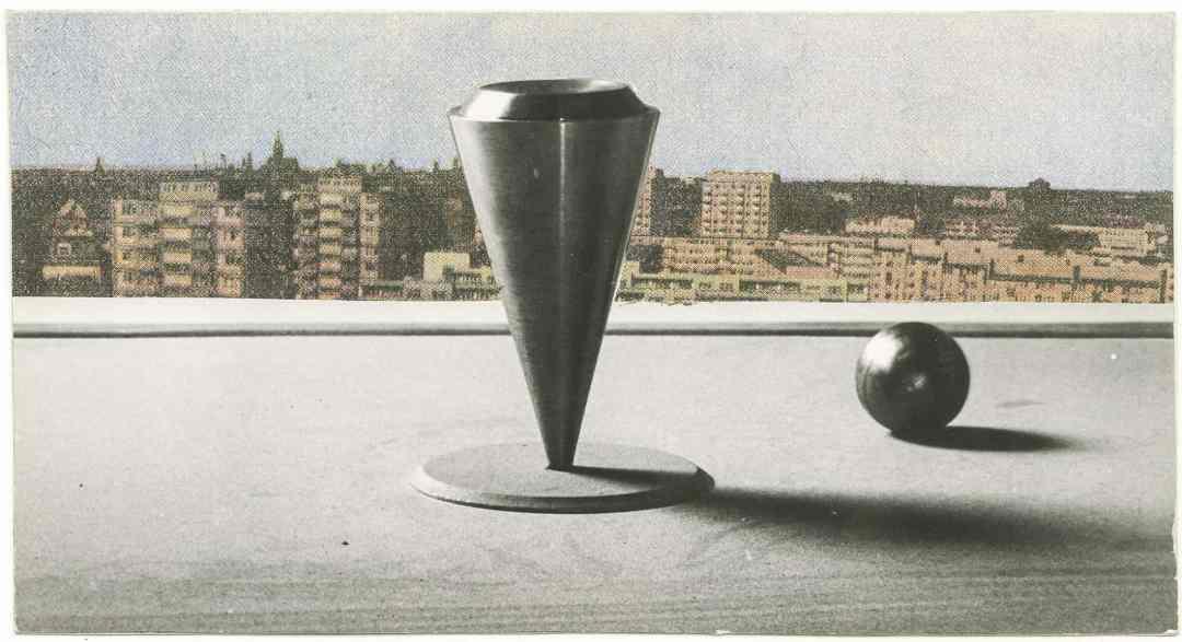Jerzy Rosołowicz, Neutrdrome, 1970, model. Photograph by Jerzy Holuka. Ossoliński National Institute. Ossolineum Library.