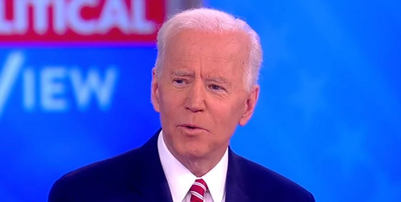 Biden Took 28 Years to Call Anita Hill Because He Didn't Want to 'Invade Her Space'