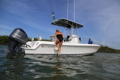 Contender Boats s FL sportsmans