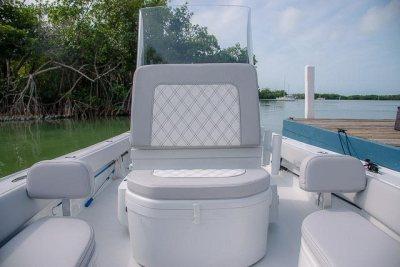 Windshield - Contender 25 Bay Boat