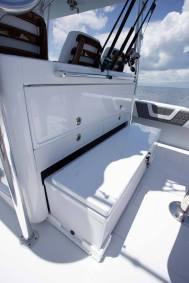 Contender Boats ST Interior FSBB