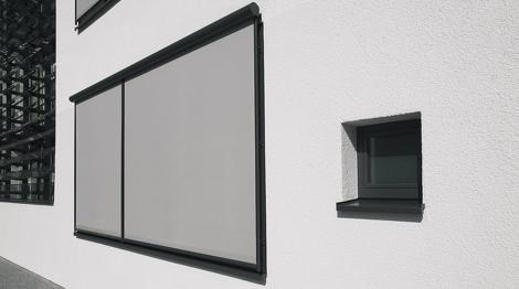 Senkrechtsmarkise-Fenster-Markise-Wintergarten-Terrassendach-Fassade-Warema-Markislux-Soltis-Screen