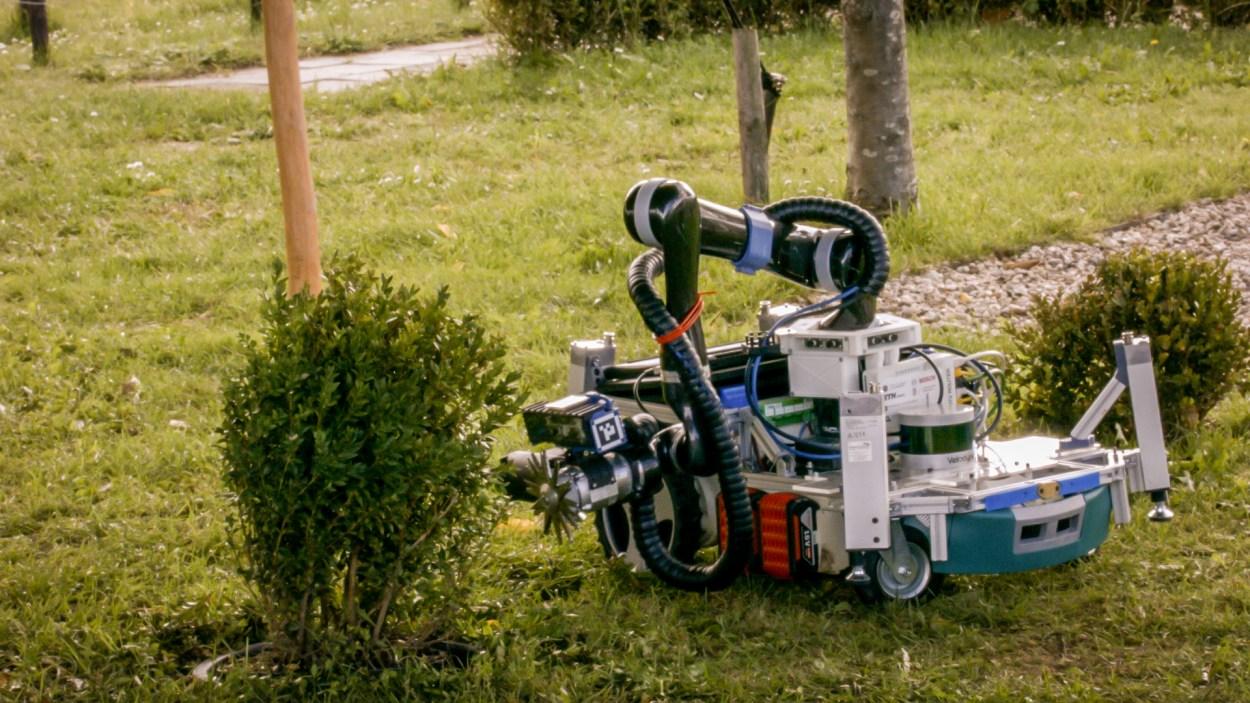 Gardening robot