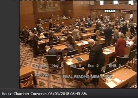SCR 203, Declaring Adjournment Sine Die of the 2018 Legislative Session, Passes