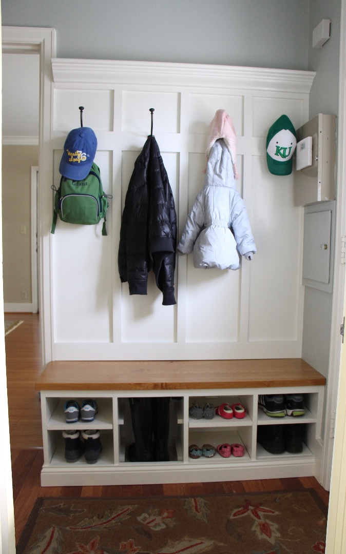 mud room coat rack and bench 13