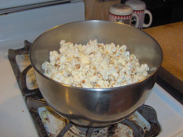 homemade stovetop popcorn 4 steps