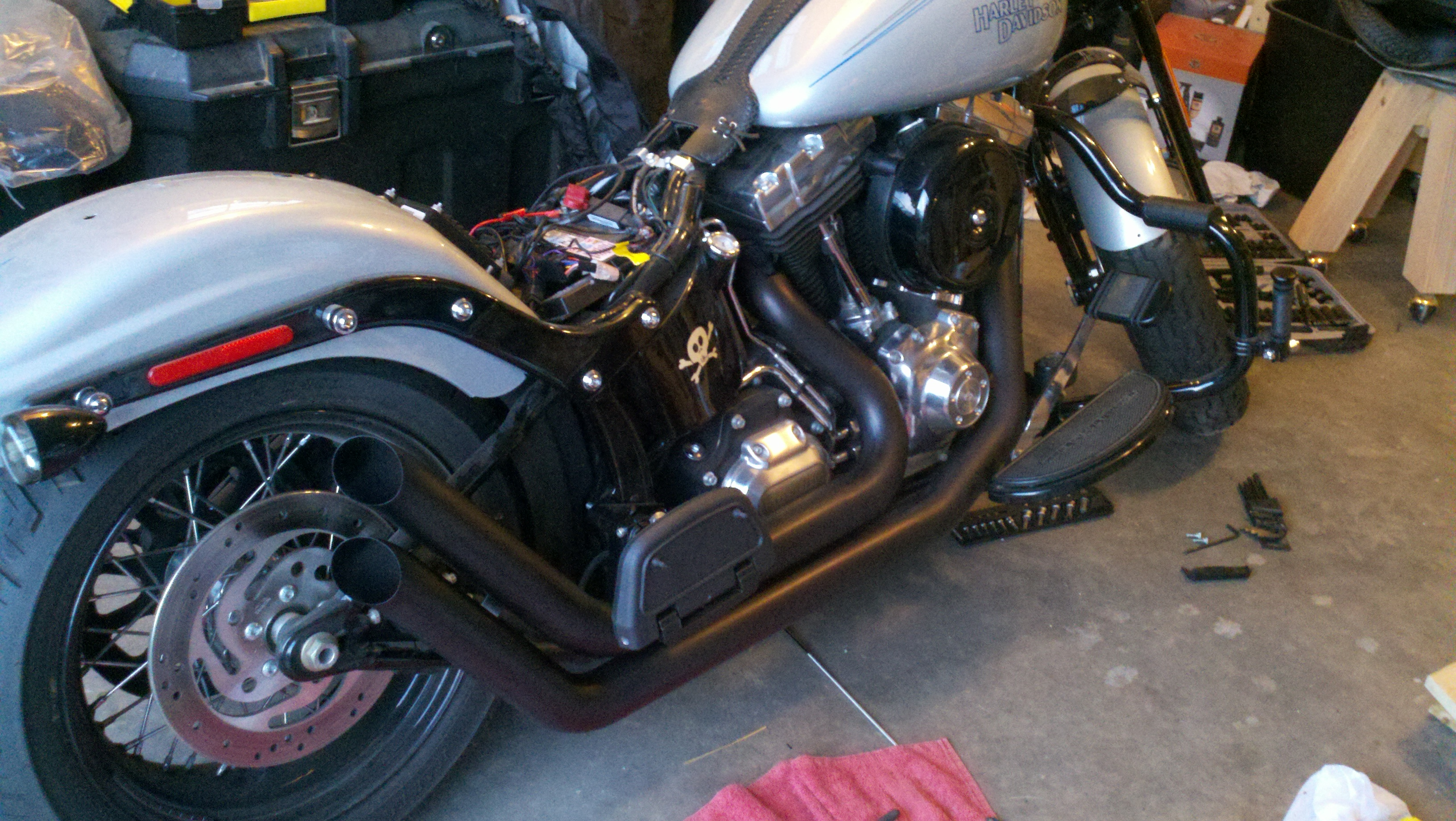 repaint motorcycle exhaust pipes