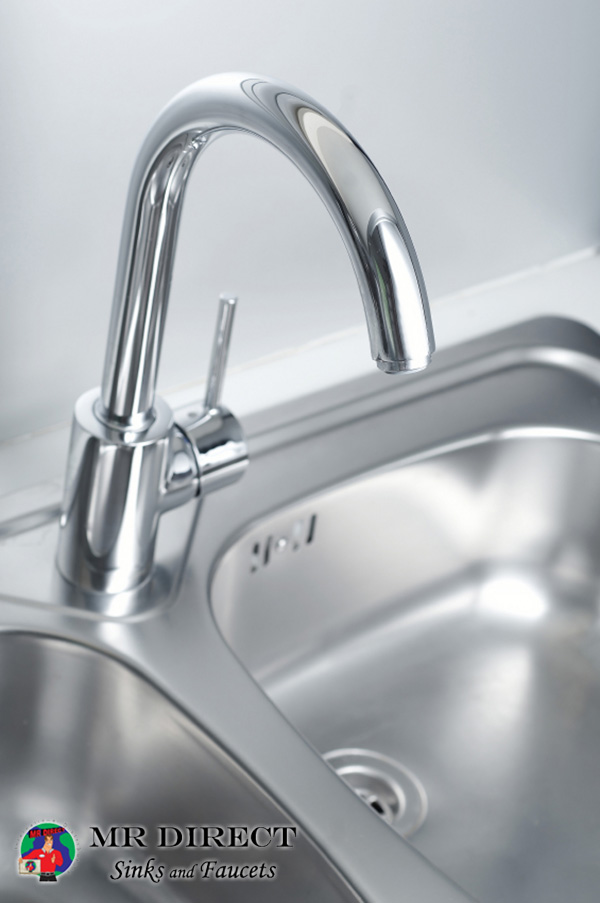 properly clean a stainless steel sink