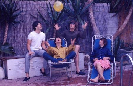 Beatles and Rolling Stones photographs: new shots of John Lennon and Mick Jagger found