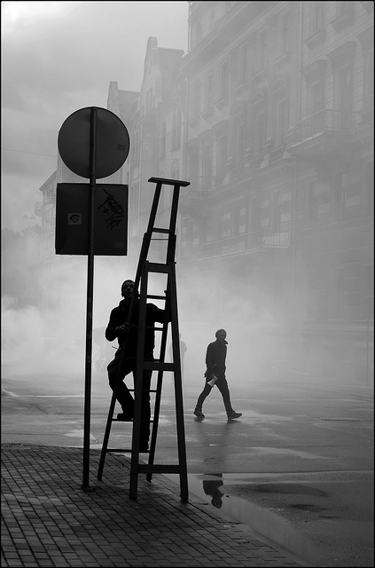 Black and white street photography from Manuel Touza