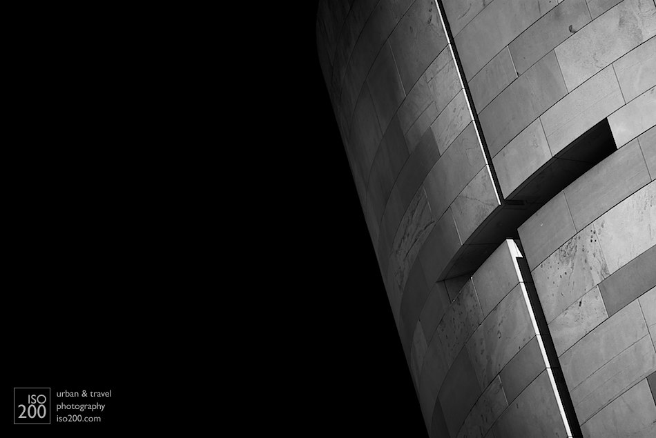 A window-slit cut into the Moray sandstone that lines the broch that forms the entrance to the National Museum of Scotland extension, built in the late 90s and designed by Benson and Forsyth. There is a mimoa.eu architecture project on the building.