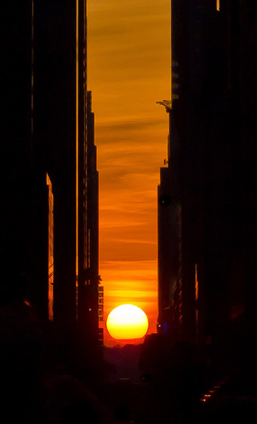 Manhattanhenge: a unique bi-annual photo op for New Yorkers