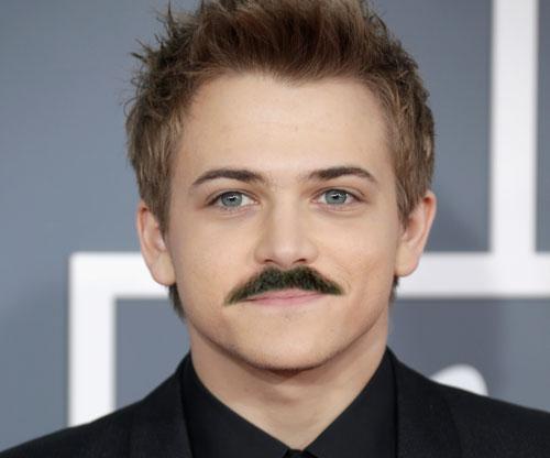 hunter-hayes-mustache.jpg