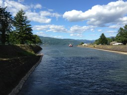 Looking East from the Cascade Locks on the bridge over to Thunder Island