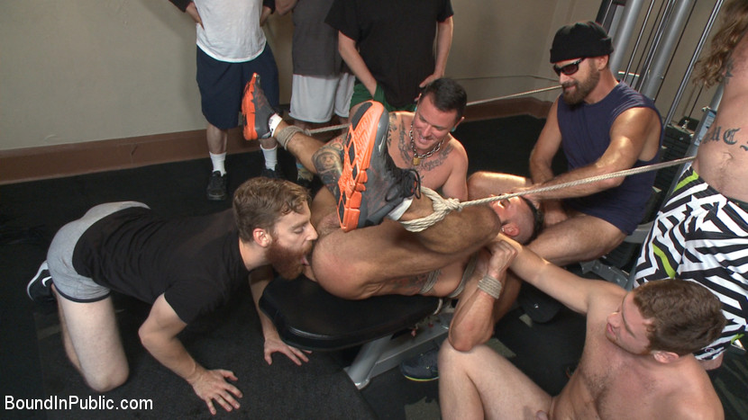 Horny gym goers dump their loads on a muscled gym rat - public