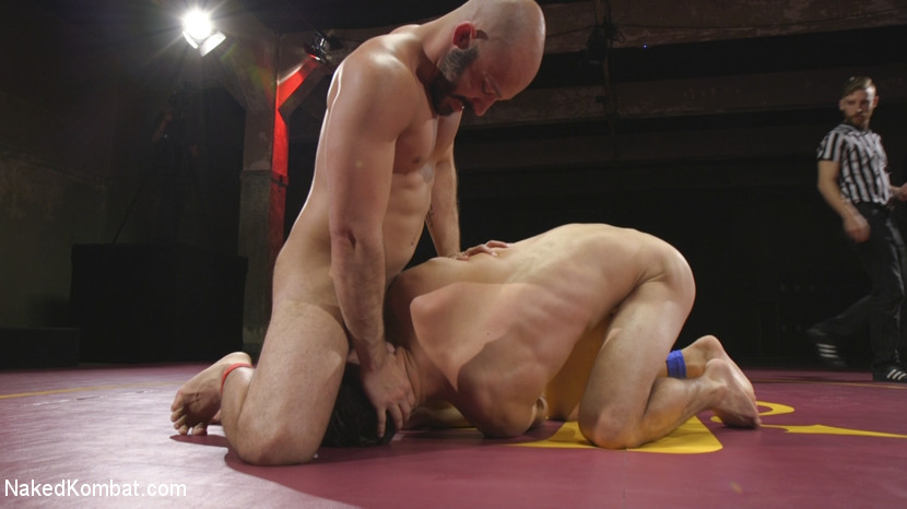 Hot Newcomer Max Woods takes on undefeated Dylan Strokes - Naked Kombat