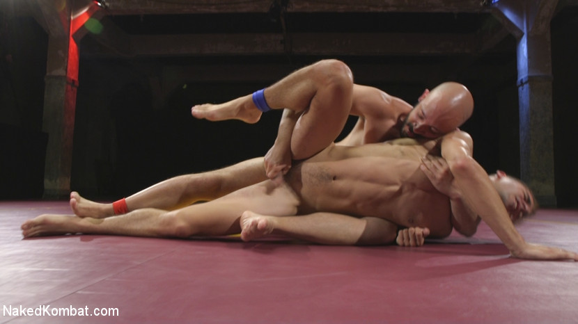 Hot Newcomer Max Woods takes on undefeated Dylan Strokes - Zapper
