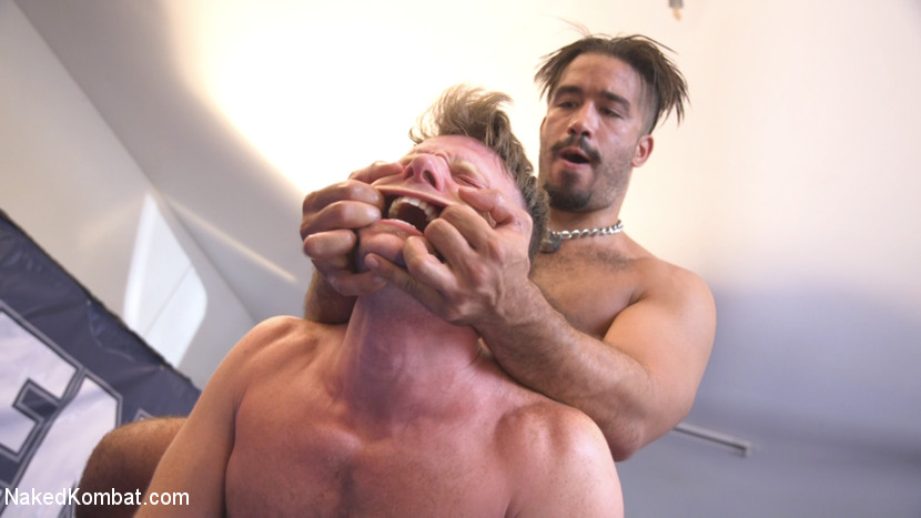 Two muscled hunks back for redemption! - Face Sitting