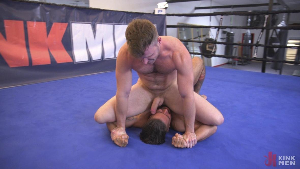 Two muscled hunks back for redemption! - KinkMen