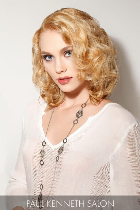 Blonde Hairstyle with Voluminous Waves