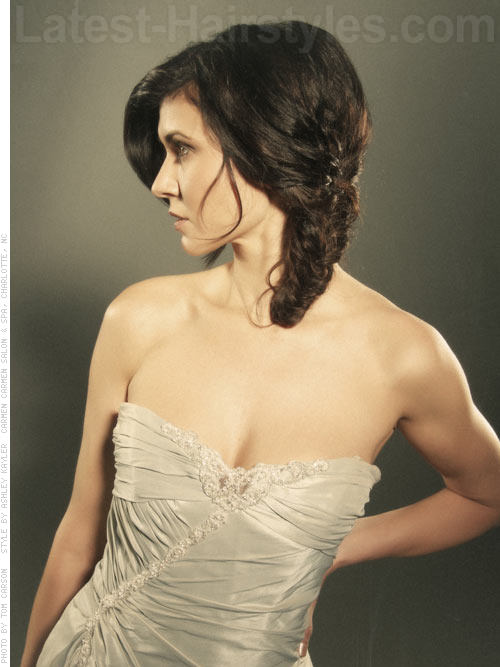 Beautiful Side Braided Hairstyle for Prom