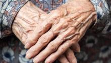 القصرين: مسنّة الثمانين تُقاوم كورونا لشهرين وتنتصر