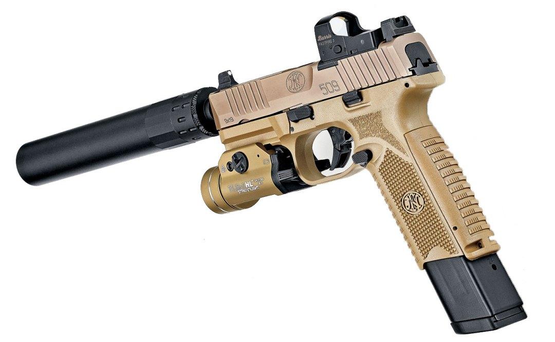 FN 509 paré pour la bagarre (image Guns and Ammo).