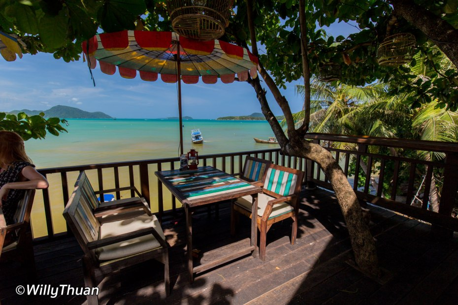 Lunch by the sea in Rawai