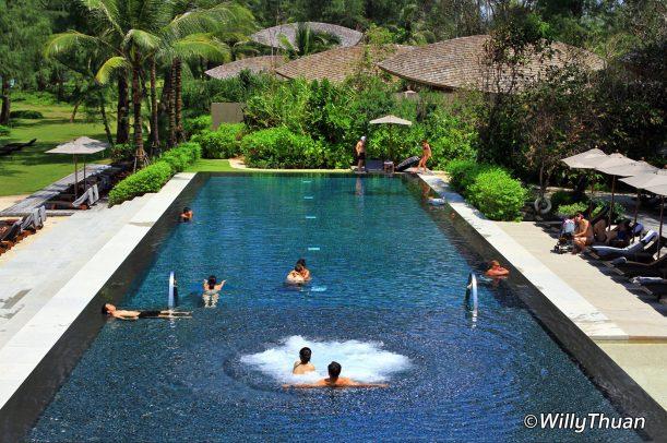 renaissance-phuket-resort-swimming-pool1