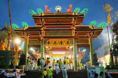 phuket-vegetarian-festival-12