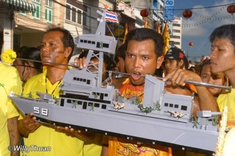 phuket-vegetarian-festival-4