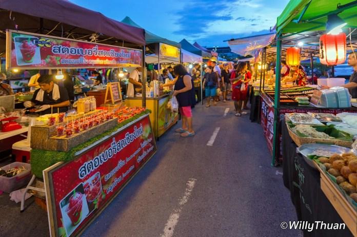 boat-avenue-night-market-bang-tao