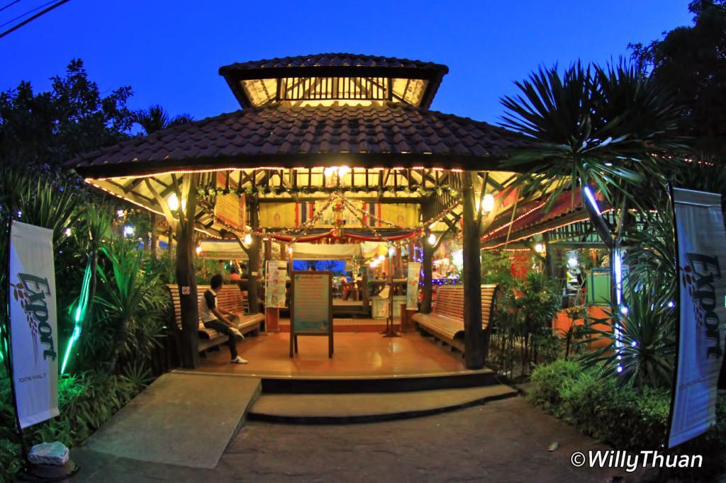 Paknam Seafood Restaurant in Phuket