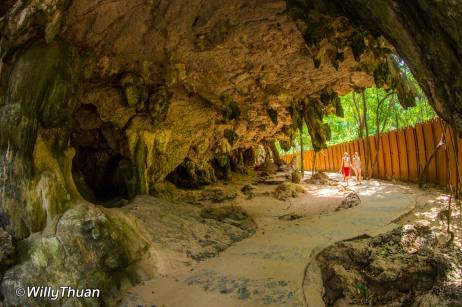 railay-caves