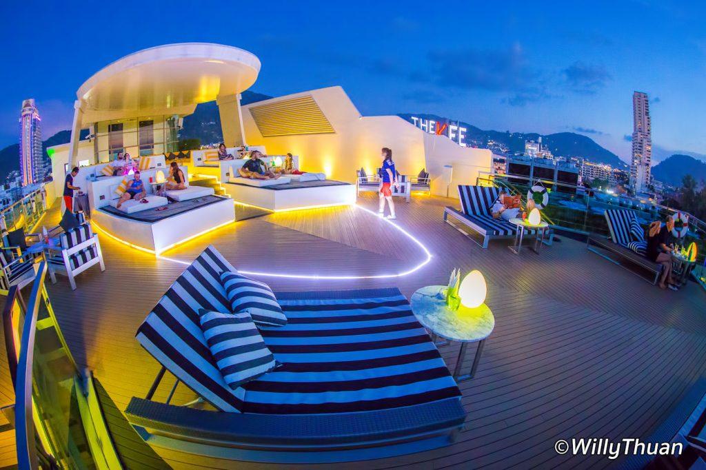 KEE Sky Lounge Rooftop Bar