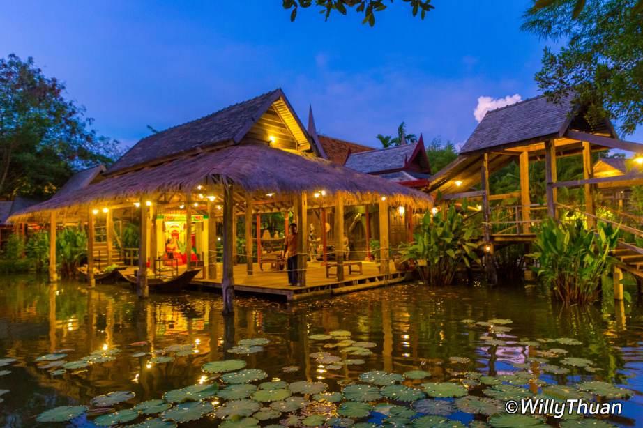 Thai Village at Siam Niramit