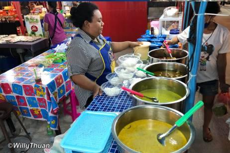 awa-night-market-kanom-jeen