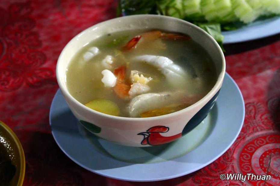 Poh Taek Soup at Nam Yoi restaurant