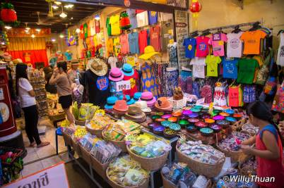 phuket-walking-street-market-2