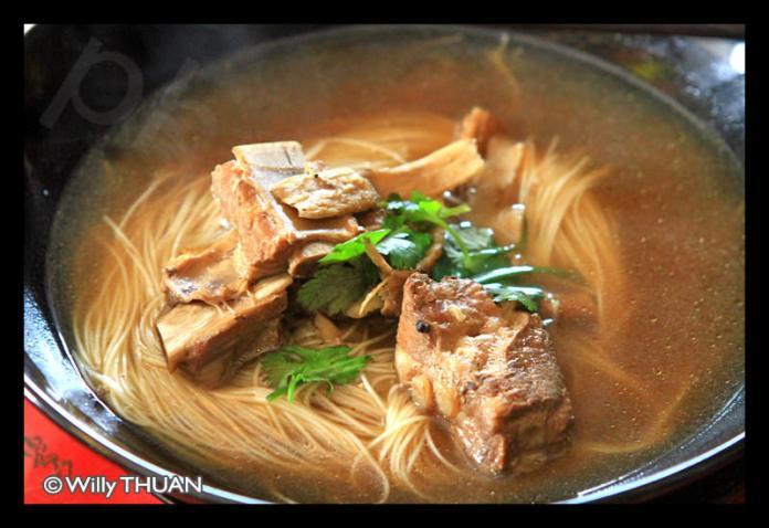 kopi-de-phuket-noodle-soup