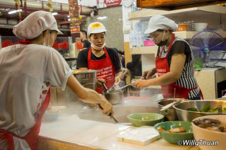ko-benz-restaurant-phuket-town