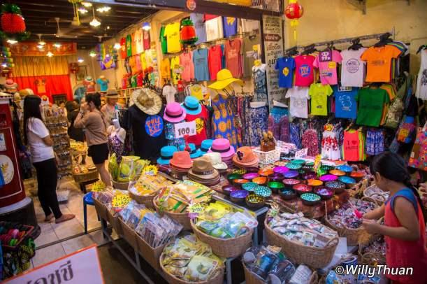 phuket-walking-street-market-81