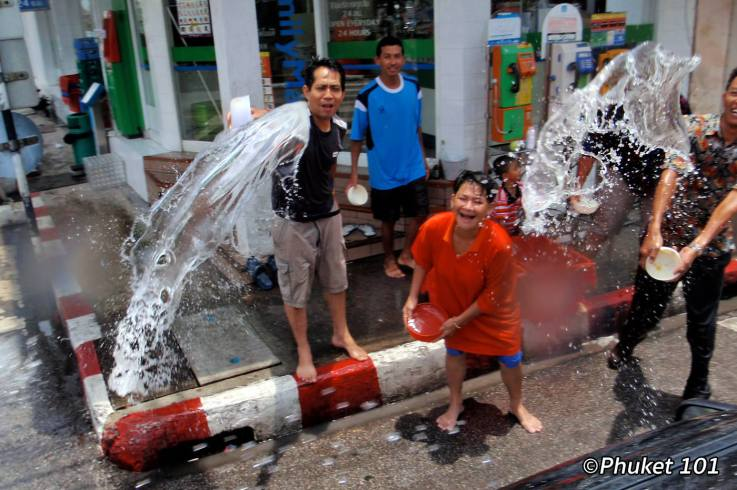 songkran-in-phuket-4