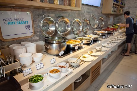 holiday-inn-express-patong-buffet-breakfast