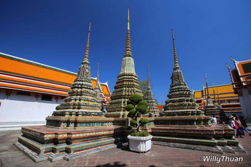 Chedis at Wat Pho